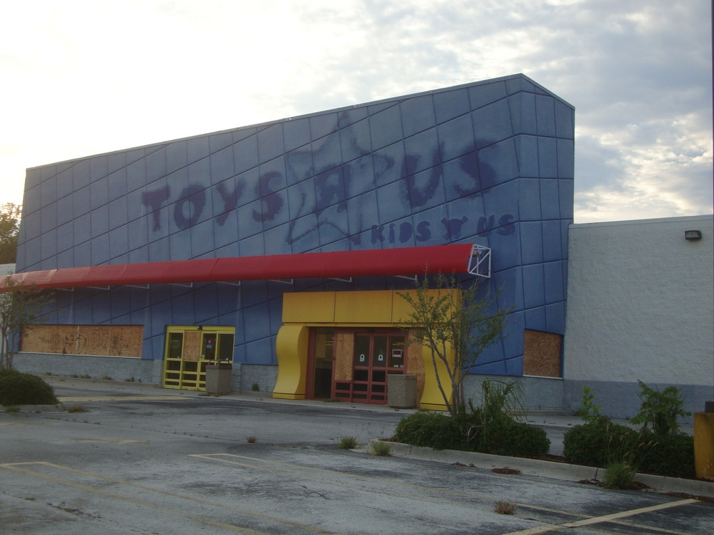 http://www.messynessychic.com/2017/03/31/abandoned-toys-r-us-stores-are-kind-of-a-thing-now/